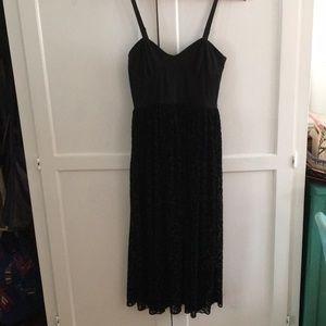 Ballerina sleek, chic & flowy dress!